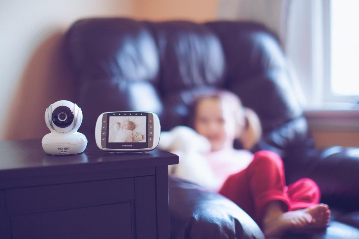 NEW Motorola MBP36S Digital Video Baby Monitor Portable