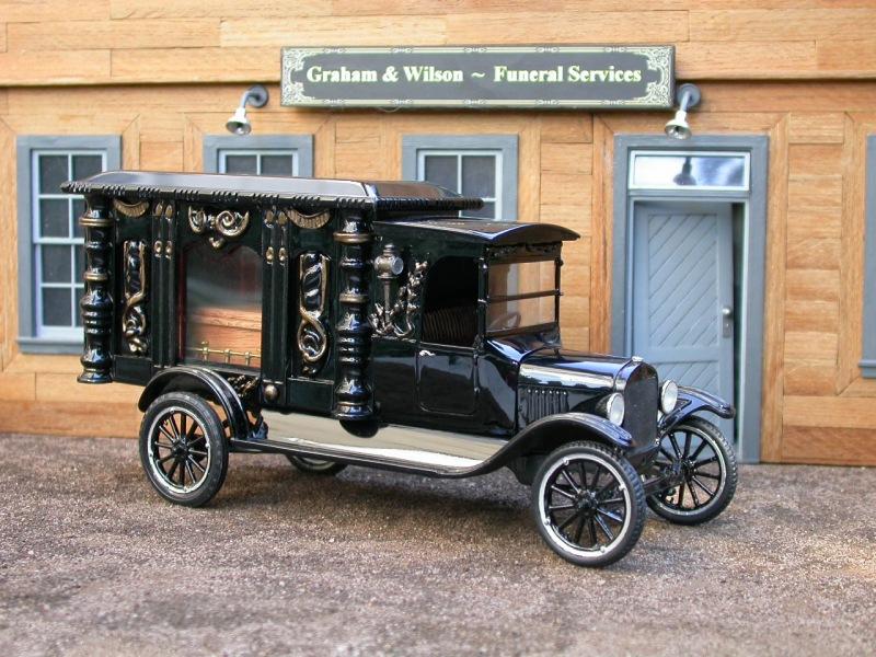 1925_Ford_Model_TT_Hearse-fvl1.jpg